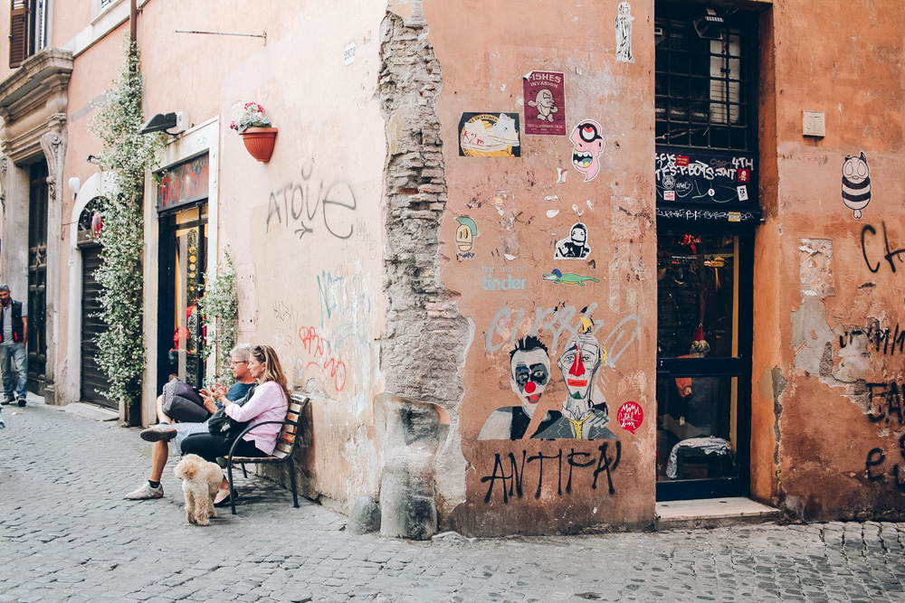 rome city chat Welcome to our rome live streaming webcams section enjoy watching live video streaming rome web cams around italy's capital city of rome.